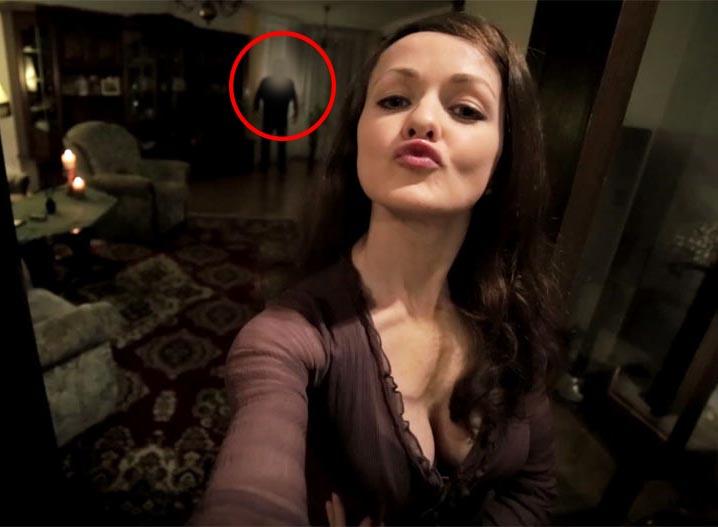 Selfie schock horror foto geht um die welt starzip for Mirror zombie girl