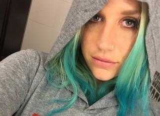 Kesha-blaue-Haare