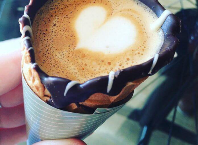 kaffee-in-der-eiswaffel
