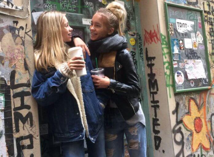 Lisa und Lena Glow Berlin