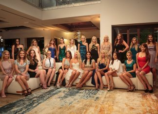 Alle Bachelor 2017 Kandidatinnen beim Gruppenbild