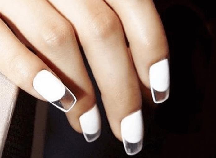 Durchsichtige Nägel Sind Der Neueste Trend Starzip