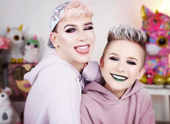 Ossi Glossy und Marvin Macnificent schminken sich gern und lieben Make up