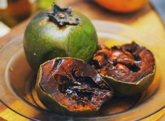 Frucht Schwarze Sapote schmeckt nach Schokolade