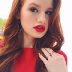 Riverdale-Star Madelaine Petsch macht YouTube!