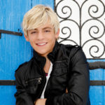Ross Lynch spielt in The Adventures of Sabrina auf Netflix mit