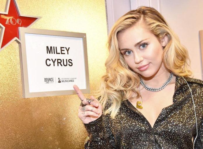 Miley Cyrus: Brust Op?