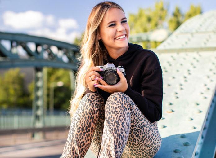 Dagi Bee modelt für H&M