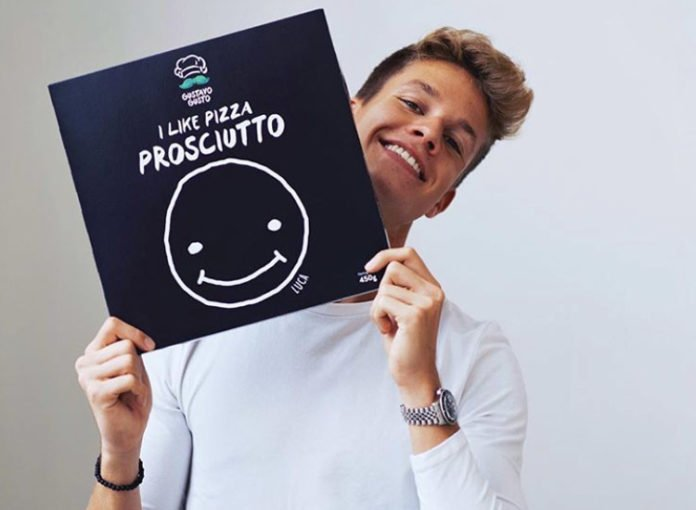 Luca Concrafter: Pizza 2 Proscuitto ist schwarz