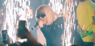 Loredana performt mit Sonnenbrille 11 Tage nach der Geburt.
