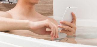 In München stirbt eine 16-Jährige-stirbt mit Handy in der Badewanne