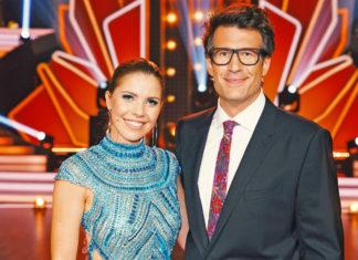 Lets Dance 2019 finale Die Moderatoren Victoria Swarovski und Daniel Hartwich.