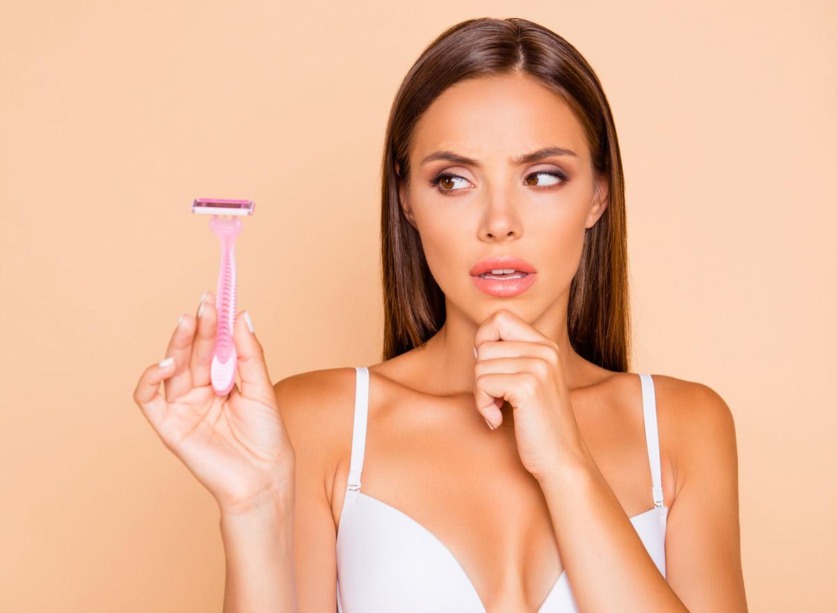 Die meisten Frauen rasieren ihre Schamhaare