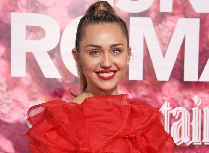 Miley Cyrus singt mit Dua Lipa