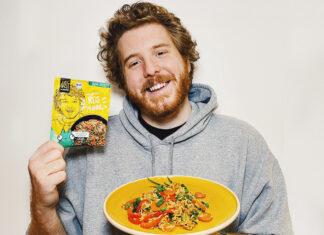 Unge und sein erstes eigenes Just Spices Produkt